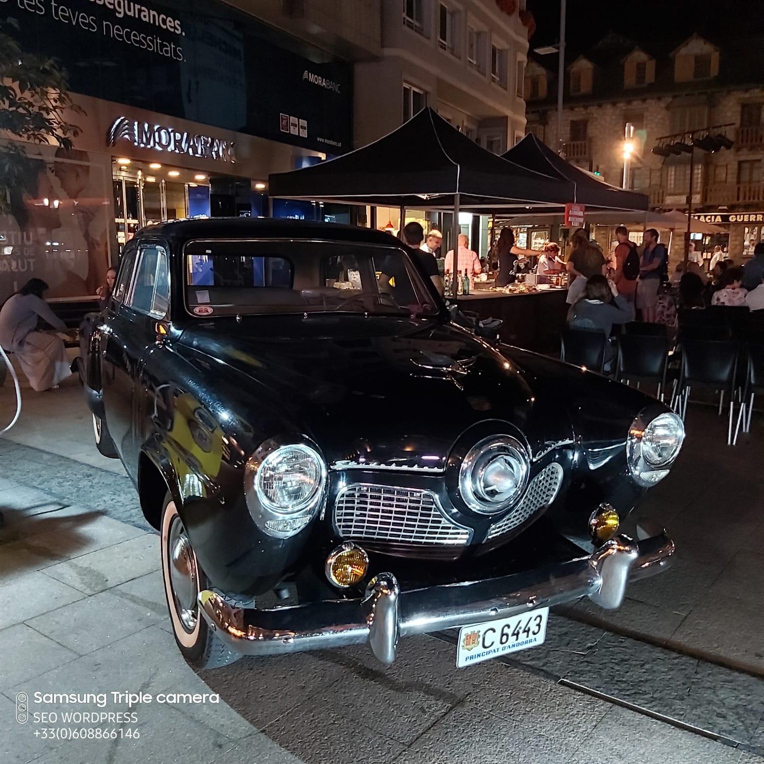 Nit a Detroit i el grup Think plaça Coprínceps Escaldes Engordany Colors de Música Andorra. Detroit ciutat famosa per ser el bressol de la indústria automobilística d'Estats Units i per forjar un dels sons més potents de la música del segle XX sota el segell Motown: el soul i el R&B. Gastronòmicament, Detroit és un paradigma de la típica cuina estatunidenca dominada per les hamburgueses, hot dogs, pollastre fregit, dolços i refrescos. De fet, la recepta més característica de la ciutat és el Coney Island hot dog. Detroit va veure el naixement artístic de laReina del soul, sota el nom d'Aretha Franklin. Think,espectacle tribut a una de les millors veus del segle XX, rememorarà temes tan coneguts comRespect,Think,Natural Womani molts més que ompliran la plaça del millor soul i R&B. Sota la direcció musical de Toni Mena i la veu inconfusible de Rocio Anguè, una de les cantants més valorades de l'escena musical actual de Barcelona, i 10 professionals sobre l'escenari està garantit un espectacle d'impacte!