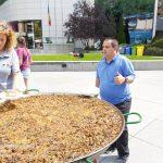 El Rebost del Padrí - Arrossada popular a la Plaça dels Arínsols a Encamp - 32è Aplec de la Sardana dels Pirineus.El Rebost del Padrí va néixer pel neguit d'un grup de gent que estima la seva terra i davant de la manca de productes criats o conreats a Andorra. El nostre objectiu ha estat i serà sempre el de potenciar i col·laborar amb tot el relacionat amb els productes d'Andorra. Per això volem donar a conèixer en aquesta web la nostra feina diària i la il·lusió per continuar en la tasca de créixer i millorar dia a dia. https://elrebostdelpadri.eu/ https://www.facebook.com/elrebost.padri/