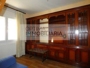 ÀTIC DÚPLEX EN VENDA assoleiat dúplex àtic, situat al centre d'Encamp de 114,5 m2 està compost per cuina tancada, menjador sala d'estar, bany de cortesia i habitació doble