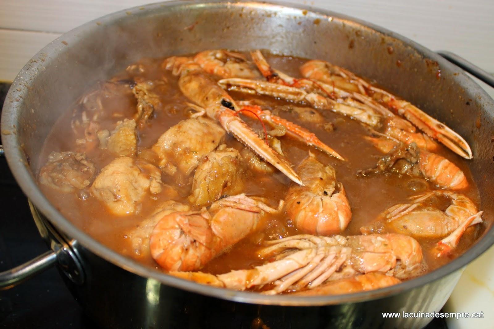 Restaurant Borda Típica Andorrana Xixerella el plato indispensable Pollo con cigalas (Pollastre amb escamarlans)es mi receta preferida de la cocina tradicional catalana.