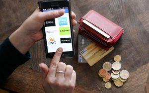 Boursorama, Orange Bank, Ma French Bank... la guerre des banques en ligne s'intensifie. Boursorama, le leader du secteur, annonce avoir franchi la barre des deux millions de clients