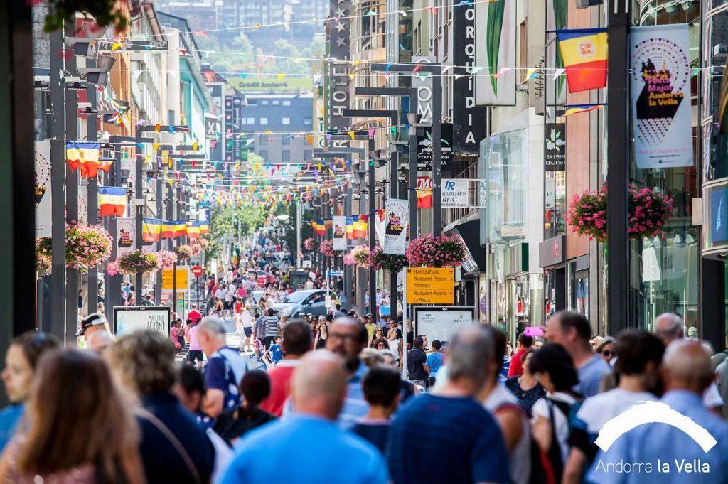 10 Novembre 4a marató fotogràfica Andorra Shopping Festival durant tot el dia tindrà com a escenari el centre urbà d'Andorra la Vella i Escaldes-Engordany
