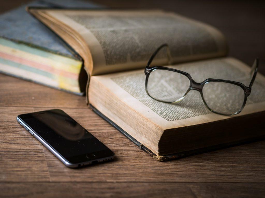 Cambra de Comerç, Indústria i Serveis d'Andorra ha presentat el curs Content Curator: crea i desenvolupa continguts per la teva empresa com un professional (2a edició) Esdeveniment Cambra de Comerç. Dirigit a: Responsables de comunicació, premsa i marketing, agents de l'administració, periodistes i persones interessades en el marketing online en general. Objectius:Aprendre a generar continguts rellevants i únics que permetin al públic incrementar el compromís amb la vostra marca. Destacar entre la competència implementant polítiques de comunicació atractives. Conèixer les implicacions legals en l'ús de continguts de terceres fonts.
