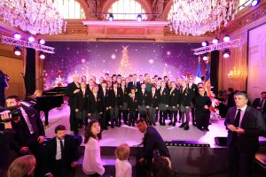 Avui a París hem pogut gaudir del talent dels nois i noies que formen part del cor dels Petits cantors d'Andorra invitació fête de Noël amb Emmanuel Macron