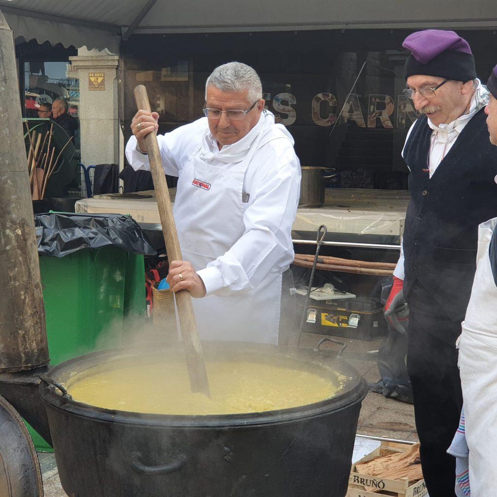 ESCUDELLES POPULARS ANDORRA 2020 Del 17-01-2020 al 26-01-2020 Les escudelles de Sant Antoni i Sant Sebastià són una tradició molt popular a casa nostra