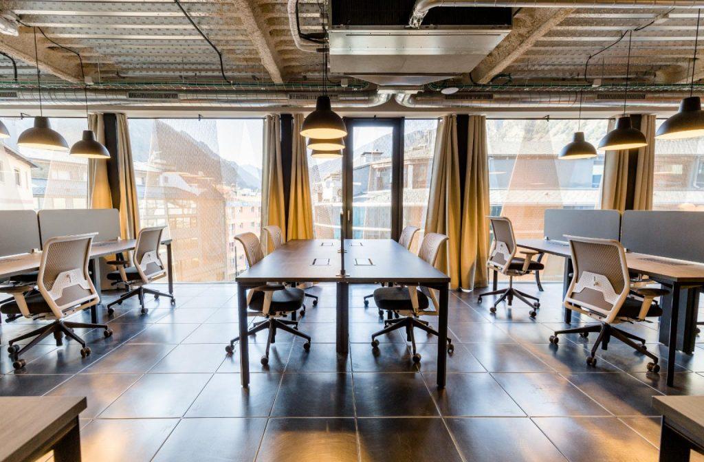CONTACTE:  Ingeni Coworking Andorra  Passatge d'Europa, 1.  Edifici el Bolet, 4a planta.  AD500 Andorra la Vella  Tel. +376808099  info@ingeni.ad