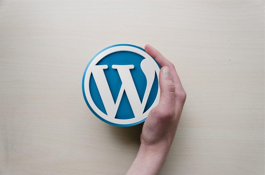 """TELETREBALL - Aprèn WordPress - Aprèn XARXES SOCIALS. ¿Tens un negoci o empresa, ofereixes un servei i vols donar-lo a conèixer a Internet?, o ¿Només vols aprendre WordPress per llançar-te a l'aventura dels blocs o tenir el teu propi lloc web? Sóc expert i professor particular de WordPress a Toulouse, Pamiers, Sabadell i Barcelona. Amb unes quantes classes pots tenir el teu propi web i aprendre a gestionar tu mateix en el futur sense necessitat de contractar un dissenyador Web. Aprofita aquest 15 dies i aprèn WordPress o Gestió de Xarxes Socials. Tenim més de 50.000 seguidors a Internet i més de 25.000.000 de visites a les nostres webs. Portem més de 150 Blogs i Webs en WordPress. WhatsApp Francès +33786568901 - WhatsApp Espanyol +34640194322 - WhatsApp Andorra +376360387. També podem parlar per Skype """"paginesgrogues"""" És molt més senzill del que sembla. ¿Prefereixes que faci jo la """"Web"""" o """"Blog"""" en WordPress o després t'ensenyi a gestionar-la? Millora la teva visibilitat a internet som especialistes en posicionament web i destaca't sobre la teva competència. Et posem a la 1a plana de Google. Amb WordPress podràs crear tota mena de webs: des d'atractives pàgines corporatives, a blocs o fins i tot botigues en línia. WordPress és una eina molt flexible."""