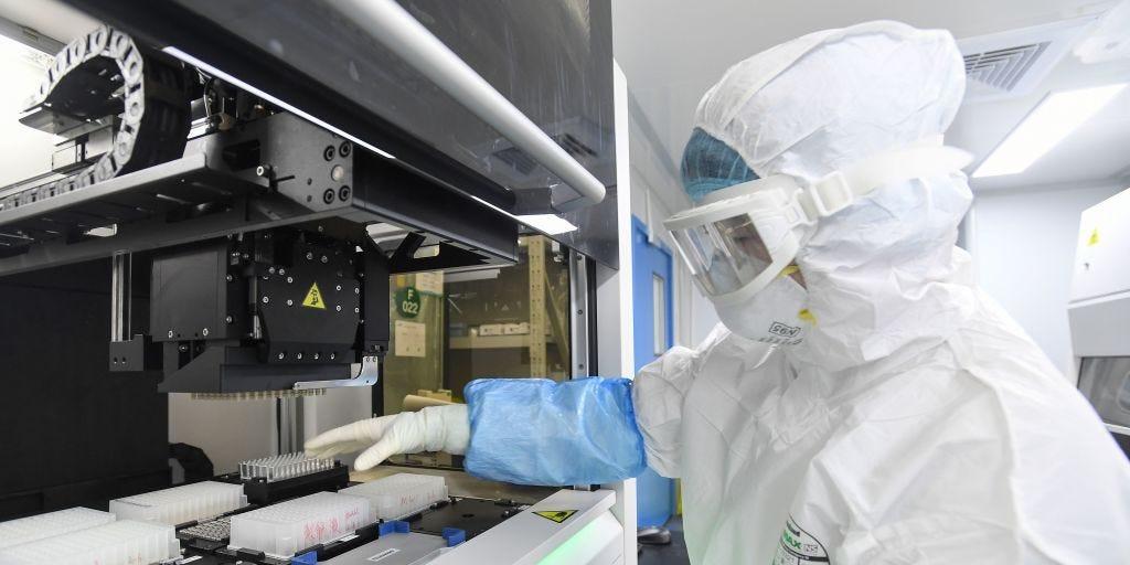 Estamos viviendo una situación excepcional frente a la expansión del Coronavirus SARS-CoV-2 Coronavirus Community Lab Conviértete en agente promotor de cambios para ayudar a tu comunidad
