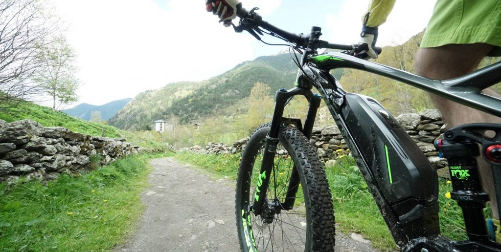 Alquiler de bicicletas en Andorra y e-bikes. Comparar precios de alquiler de BTT en Andorra. Encuentra las mejores ofertas en alquiler de bicis en Andorra. Mejor Precio Garantizado.