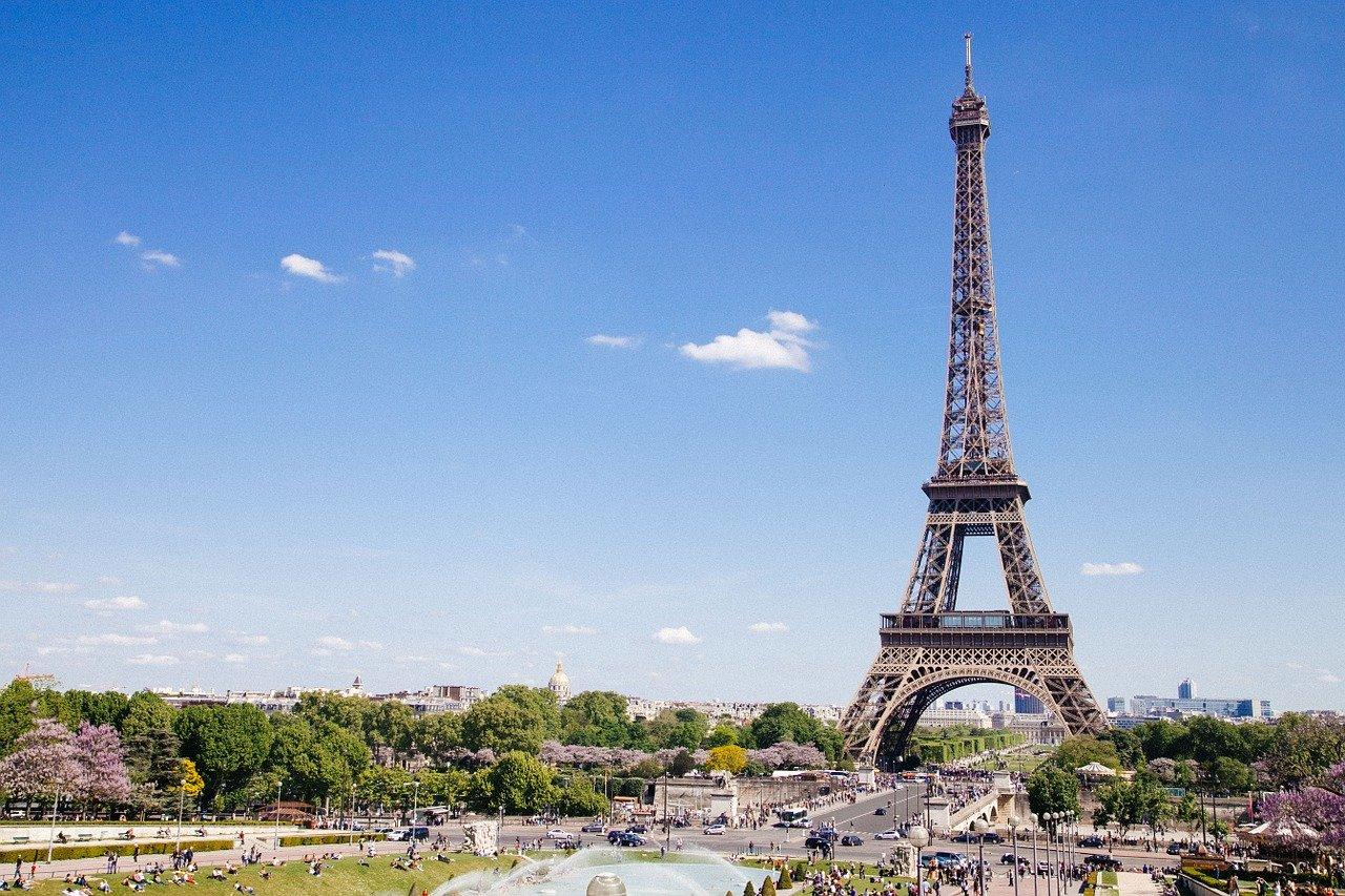 Depuis 1880, les Français célèbrent leur fête nationale le 14 juillet. Symbole de l'unité, de l'histoire et des valeurs de notre pays