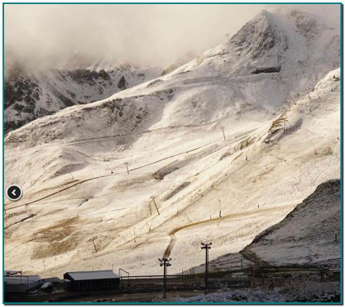 Andorra l'agost s acomiada amb nevades, després d'un bon estiu. El Pas de la Casa ha registrat avui diumenge una mínima de -1,1 graus. Andorra s'ha llevat amb les primeres nevades en el darrer tram de l'estiu. Durant aquesta nit, han caigut els primers flocs de neu a partir de la cota 2.200 en diferents punts del Principat.