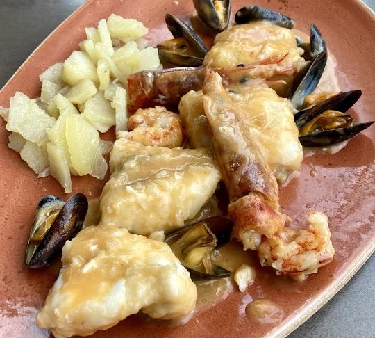 """Restaurante Beluga Marisquería Andorra en Escaldes, mensaje que nos pasó un cliente: """"Fuimos los amigos con las mujeres y comimos como dioses tanto arroces como suquet de rap a la Catalana, ambiente y trato agradable como en casa, precio normal con la cantidad y calidad del pescado fresco."""