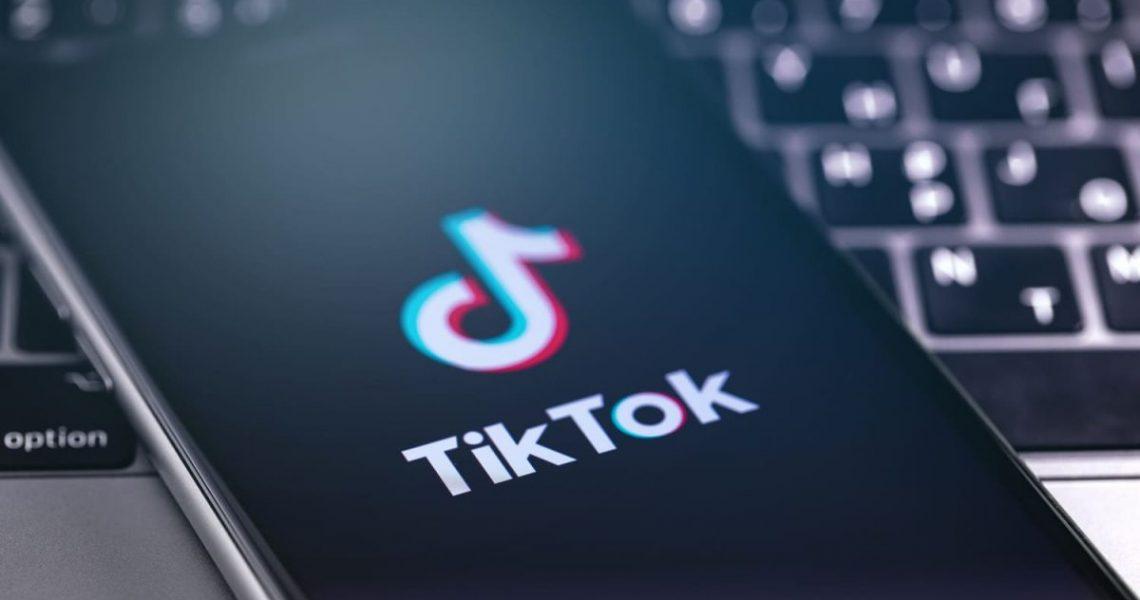 TikTok: tendències de màrqueting per al 2021 Màrqueting d'influència, comerç electrònic, reptes de marca: Descobreix les tendències de màrqueting que seran les més populars el 2021 a TikTok.