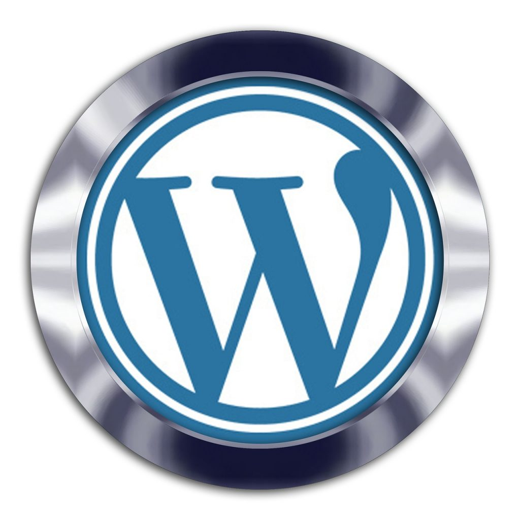 En comparació amb plataformes com Wix, Blogger i Weebly, WordPress té més flexibilitat, ja que permet oferir una solució d'alta eficiència en un ambient de codi obert, que evoluciona de manera constant.