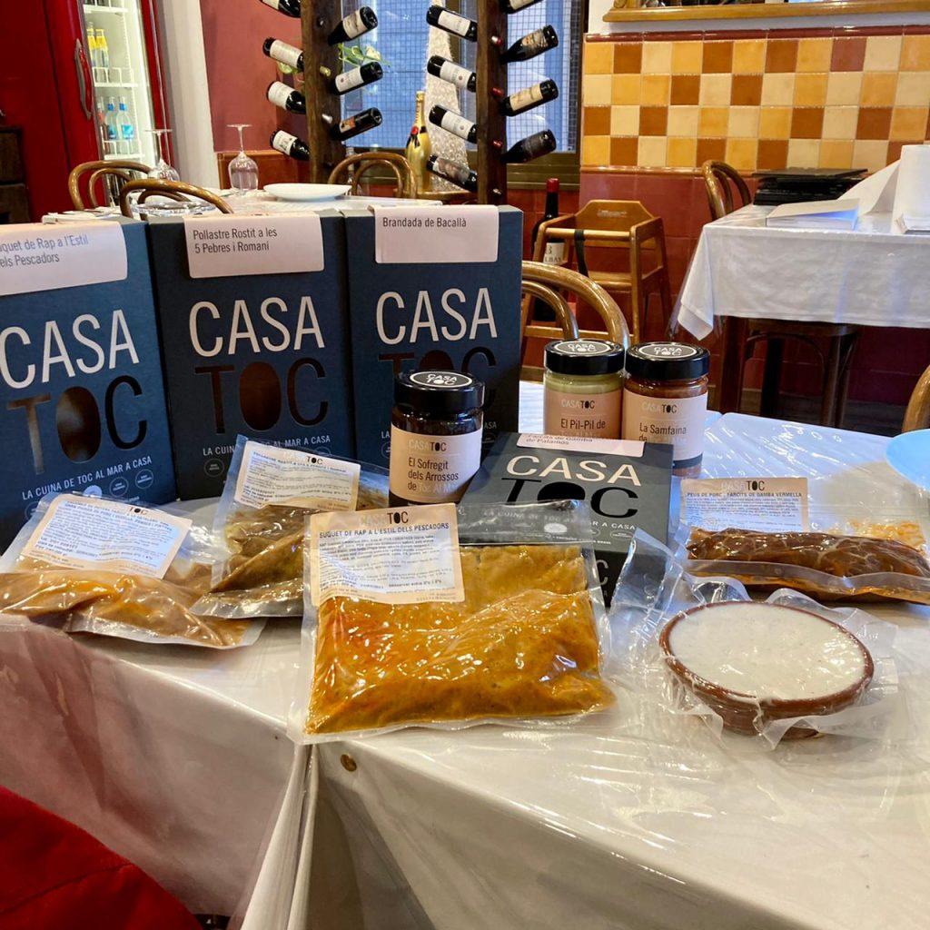 Avui hem fet una degustació de platets de Casa Toc a l'Arrosseria Andorra (L'Andreia ens ha cedit el seu local per fer la presentació). L'equip del restaurant Toc al Mar de Begur hem posat en marxa Casa Toc, un projecte gastronòmic per oferir un ampli ventall de productes de cuina catalana de 5a Gamma pel sector de l'hostaleria i per a particulars.
