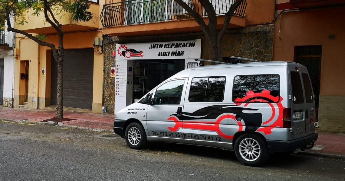 Taller Mecànic Auto Reparació Miki Díaz a Sant Feliu de Guíxols T.+34653704172 Taller mecànic multimarca especialitzat en cotxes clàssics, BMW, Mercedes, Audí, etc
