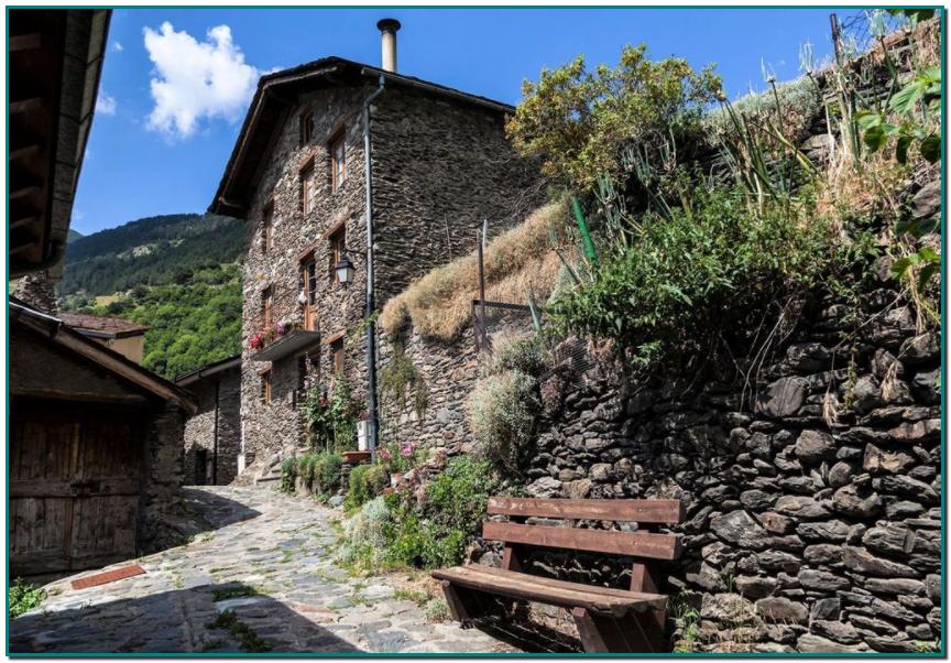Luxe Residencial Andorra Promotora inmobiliaria Andorra Casas y pisos de obra nueva en venta en Andorra promociones de obra nueva y de lujo