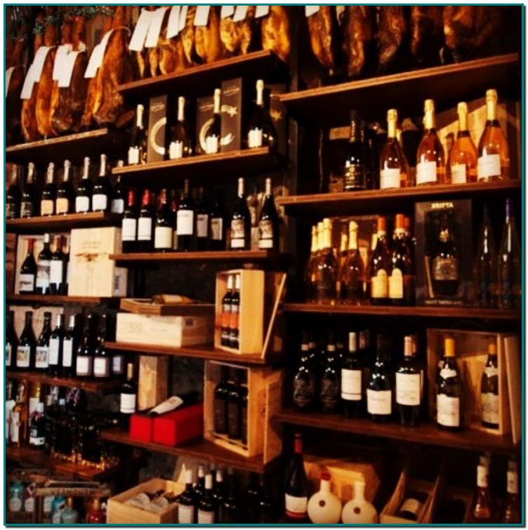 Els sabors més gourmet a Ana Cerezo Pernilea. Un concepte de botiga Gourmet, amb zona de degustació, és que l'Ana Cerezo Pernilea ofereix als gastrònoms més sibarites del Principat i de fora de les nostres fronteres. Els queviures de qualitat són presents al cor d'Andorra la Vella.