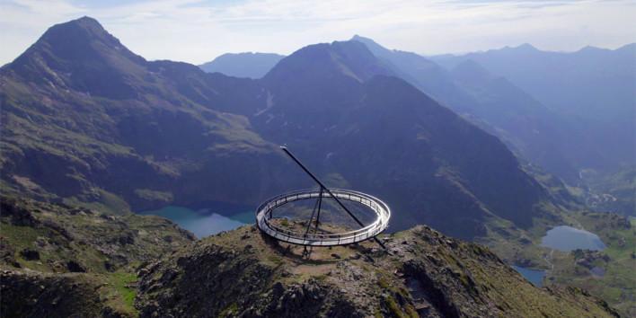 Ordino Arcalís va obrir divendres passat el nou Mirador Solar de Tristaina a la Vall d'Ordino Ofereix vistes dels llacs de Tristaina i de tota la vall d'Ordino, nomenada Reserva de la Biosfera per la UNESCO